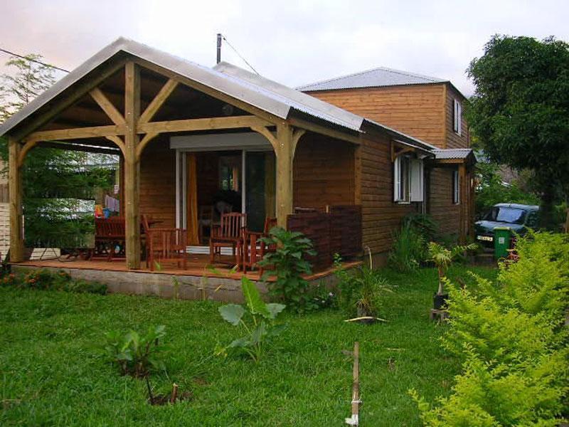 Maison bois a monter soi meme montage du0027un kit maison for Monter sa maison en bois